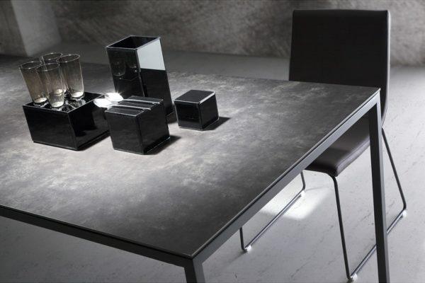 Mesa de comedor tapa cerámica 491